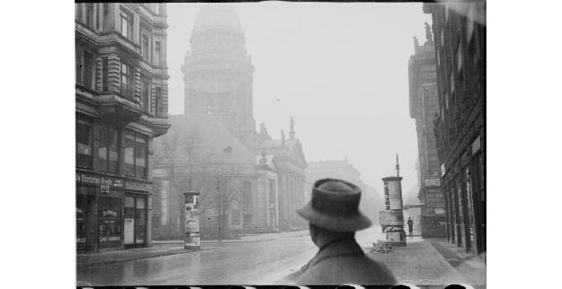 Feininger_Street_scene_with_the_French_Cathedral_Berlin_Lyonel_Feininger_1930s_Tumblr