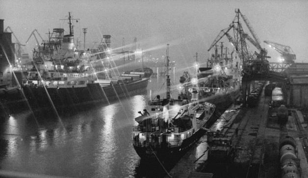Wismar, Seehafen, Nacht